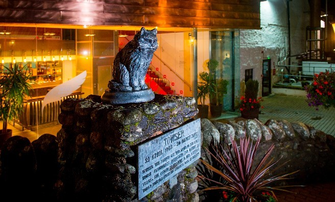 The Famous Grouse Experience's statue of Towser, the distillery's famous cat