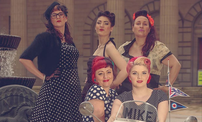 Dundee City Vintage Festival - styles, songs and gifts inspired by the 40s, 50s and 60s. Photo by Siobhann Diamond