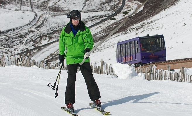 Skiing on Cairngorm Mountain. Image copyright Ski-Scotland and Steven McKenna Photography