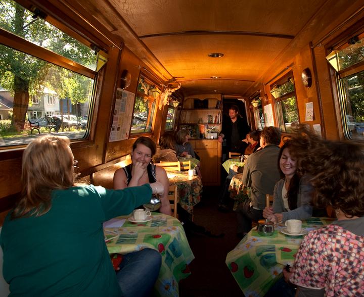 Zazou, Edinburgh's only narrowboat café