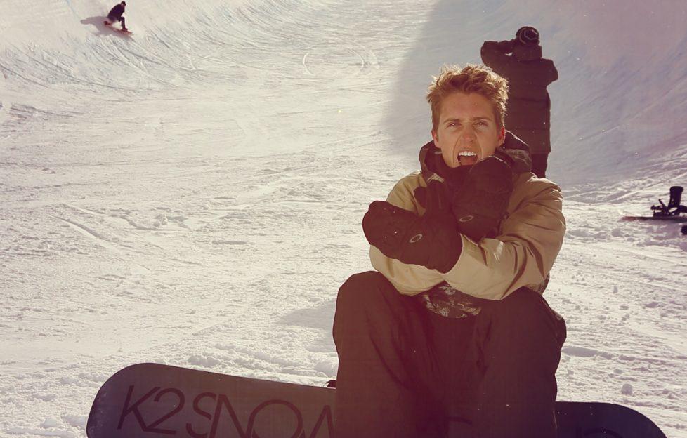 Ben Kilner snowboarding in the Scottish mountains
