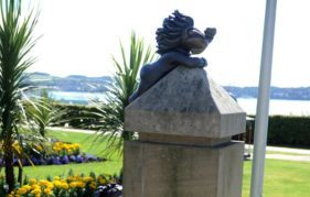 Lemmings statues at Seabraes gardens
