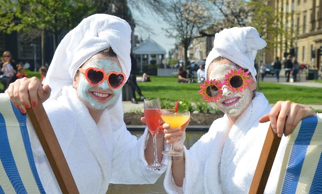 Cocktails, facials and sunshine - what more could a girl ask for on a day out in Edinburgh?