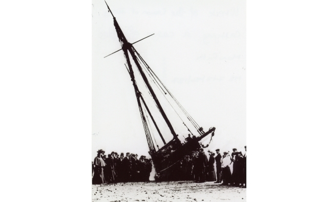 The wreck of the Crown of Jersey, washed up on Monifieth Beach. Photo courtesy of Angus Archives.