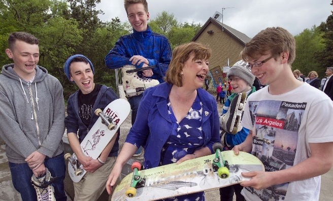 Fiona Hyslop meets the Vennie Project's skateboarders at the launch of Scotland's Urban Past