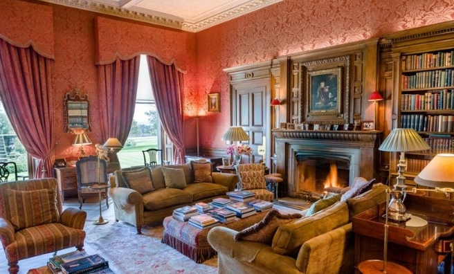 There's no shortage of reading materials at Dundas Castle