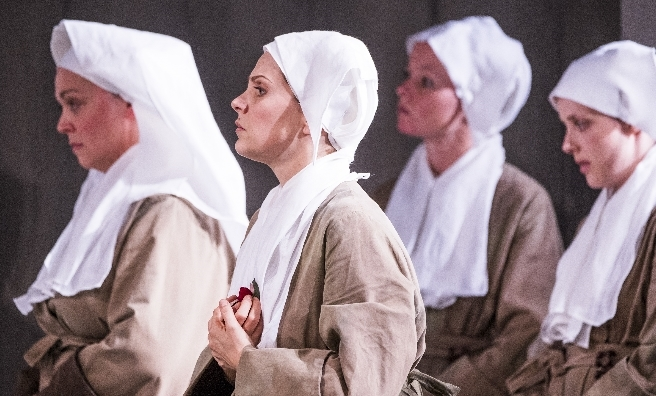 A scene fromSuor Angelica by Opera North. ©Tristram Kenton
