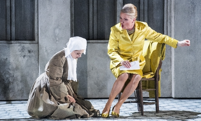 Anne Sophie Duprels as Sister Angelica and Patricia Bardon as The Princess in scene fromSuor Angelica by Opera North. ©Tristram Kenton